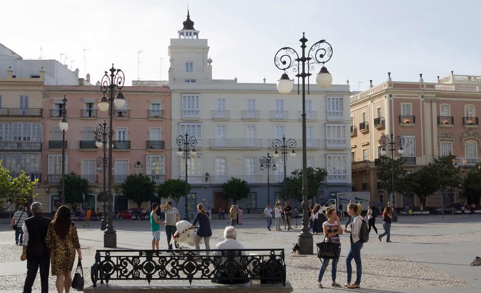 Cádiz: Turm mit Türmchen
